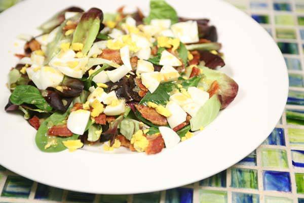 Egg and Bacon Breakfast Salad Recipe