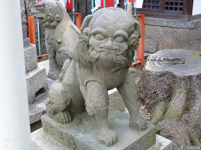 仲哀天皇社狛犬