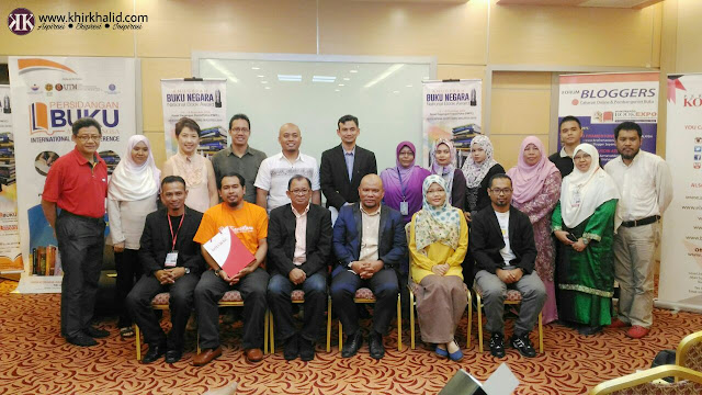 Perkasa Industri Penulisan Digital Melalui Forum Bloggers Sempena Ekspo Buku Malaysia 2016