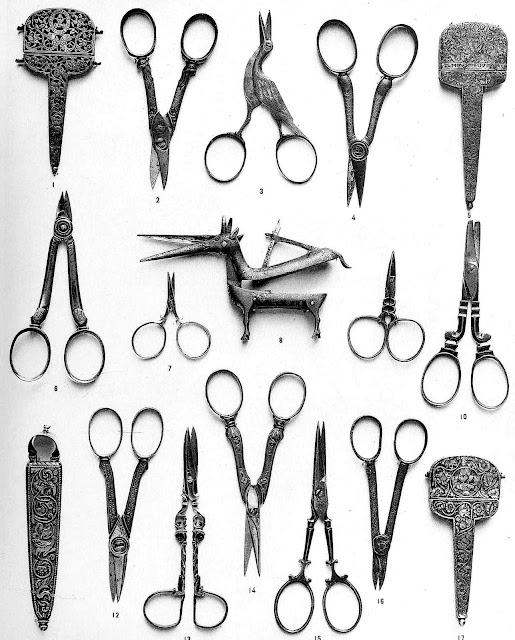 1500s barber scissors, large photograph