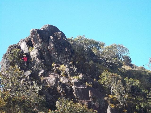 foto jalur menuju puncak sejati gunung sumbing
