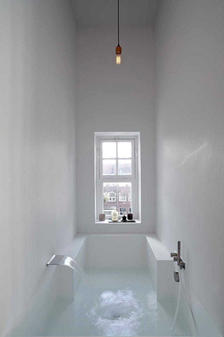 bañera de obra con ventana