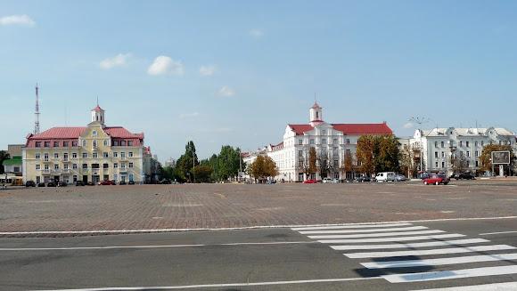 Чернігів. Червона площа
