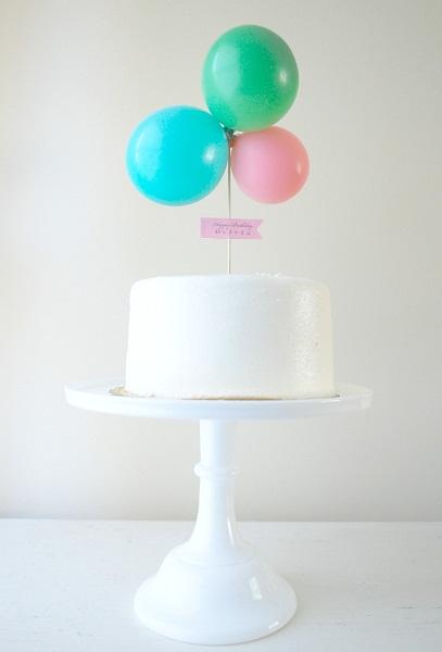 dica-para-usar-balões-em-festas-de-formas-diferentes-topo-de-bolo-com-bexigas
