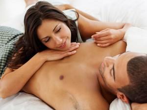 Foreplay Memanas, Lucuti Busananya Perlahan