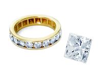 リフォーム(リ・スタイル)に使用するプリンセスカットダイヤモンドルースとフルエタニティリングの写真