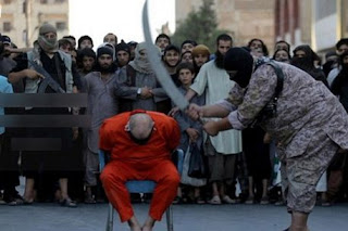 Obese ISIS executioner beheads man