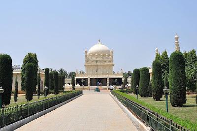 tomb-of-tipu-sultan-gumbaz-srirangapatna