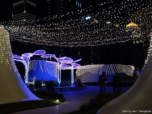 48404418 302271917296134 7348669024613433344 n - 台中國家歌劇院空中花園點燈囉!趕緊把握聖誕節與跨年夜晚來浪漫一下吧!