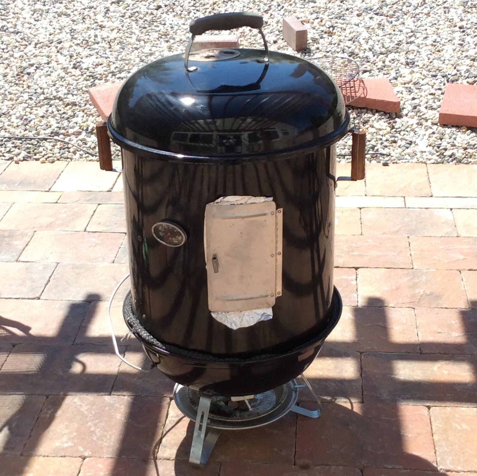 My charcoal smoker: a modded Brinkmann (ECB) and Weber Jumbo Joe hybrid