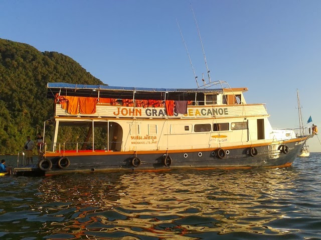 Phang Nga Bay - John Gray's Hong By Starlight escort boat