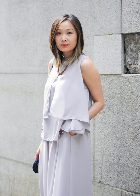 How to Look Sophisticated Monochrome Chiffon Outfit