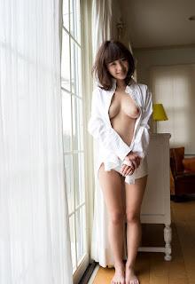 kana momonogi stripping naked pics 01