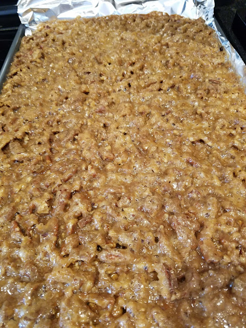 holiday cookie, pecans, toffee, graham crackers, simple recipe, dessert, cookie squares