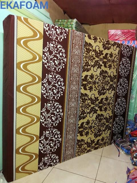 Kasur busa inoac motif bunga batik coklat