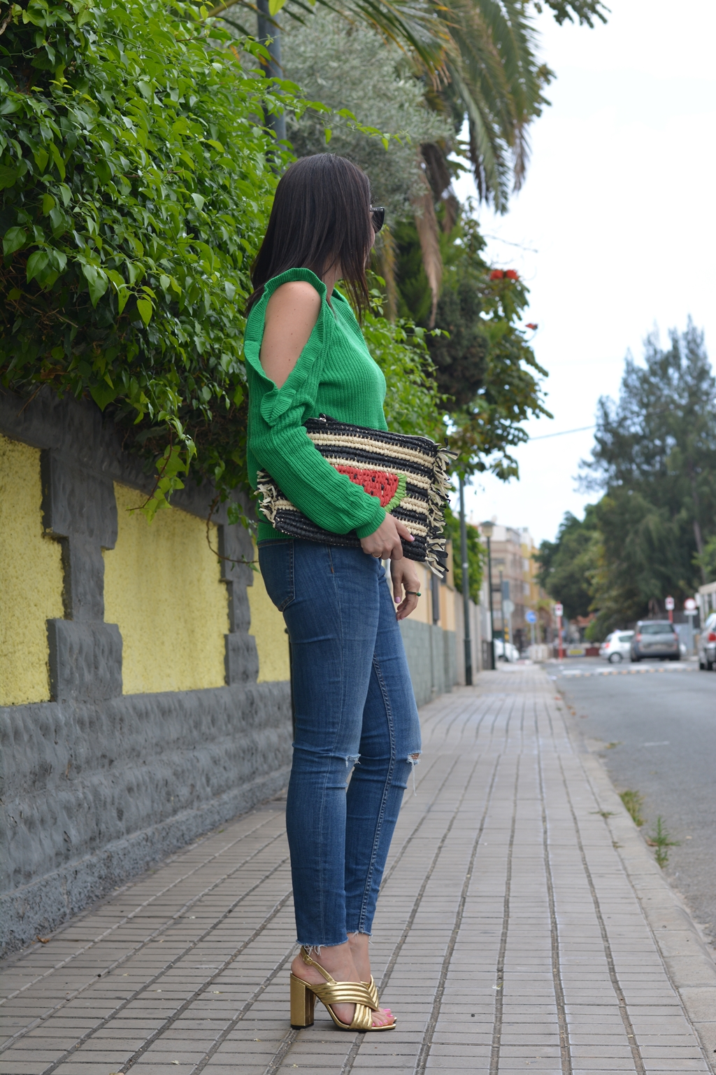 green-sweater-shein-outfit-streetstyle