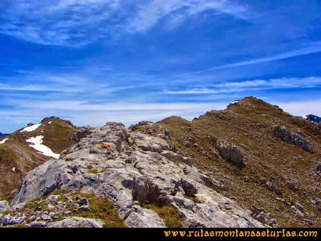 Ruta Farrapona, Albos, Calabazosa: Cómodo tramo final a la cima del Albo Occidental