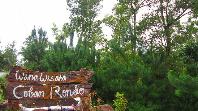 pintu masuk coban rondo