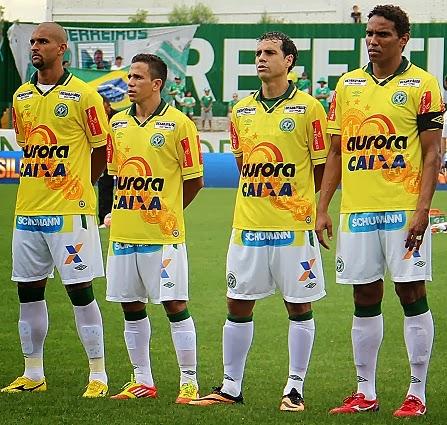 9bb9465ccc Compre camisas da Chapecoense e de outros clubes e seleções de futebol