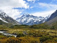 8 Manfaat gunung bagi kehidupan manusia yang perlu kamu ketahui