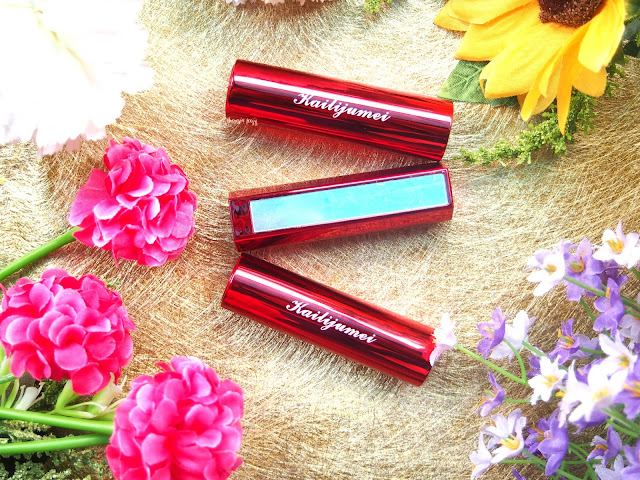 Kailijumei lipstick is a gorgeous looking lipstick. Only pink shade. It is moisturizing, soft, smooth and lightweight. It also long lasting. The packaging is innovative with a click at the top of the case.