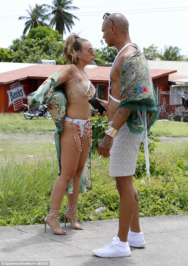 Jeremy Meeks And Chloe Green Make Out at Barbados Carnival