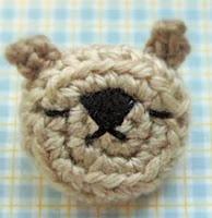 http://translate.googleusercontent.com/translate_c?depth=1&hl=es&rurl=translate.google.es&sl=en&tl=es&u=http://minaraks.blogspot.com.es/2010/02/amigurumi-emoticon-bear-pin-brooch.html&usg=ALkJrhjW5IZgM5w820-8MZnqPbWJoBY-Gw