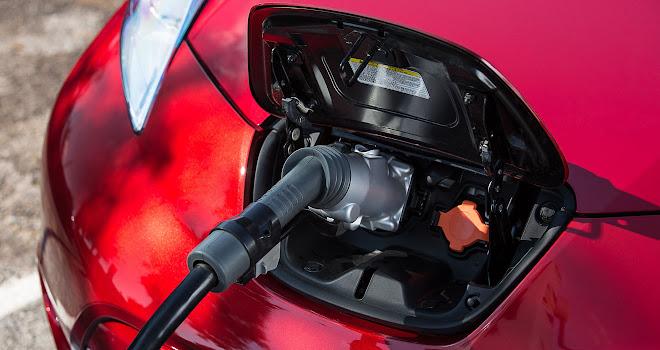 30kWh Nissan Leaf charging