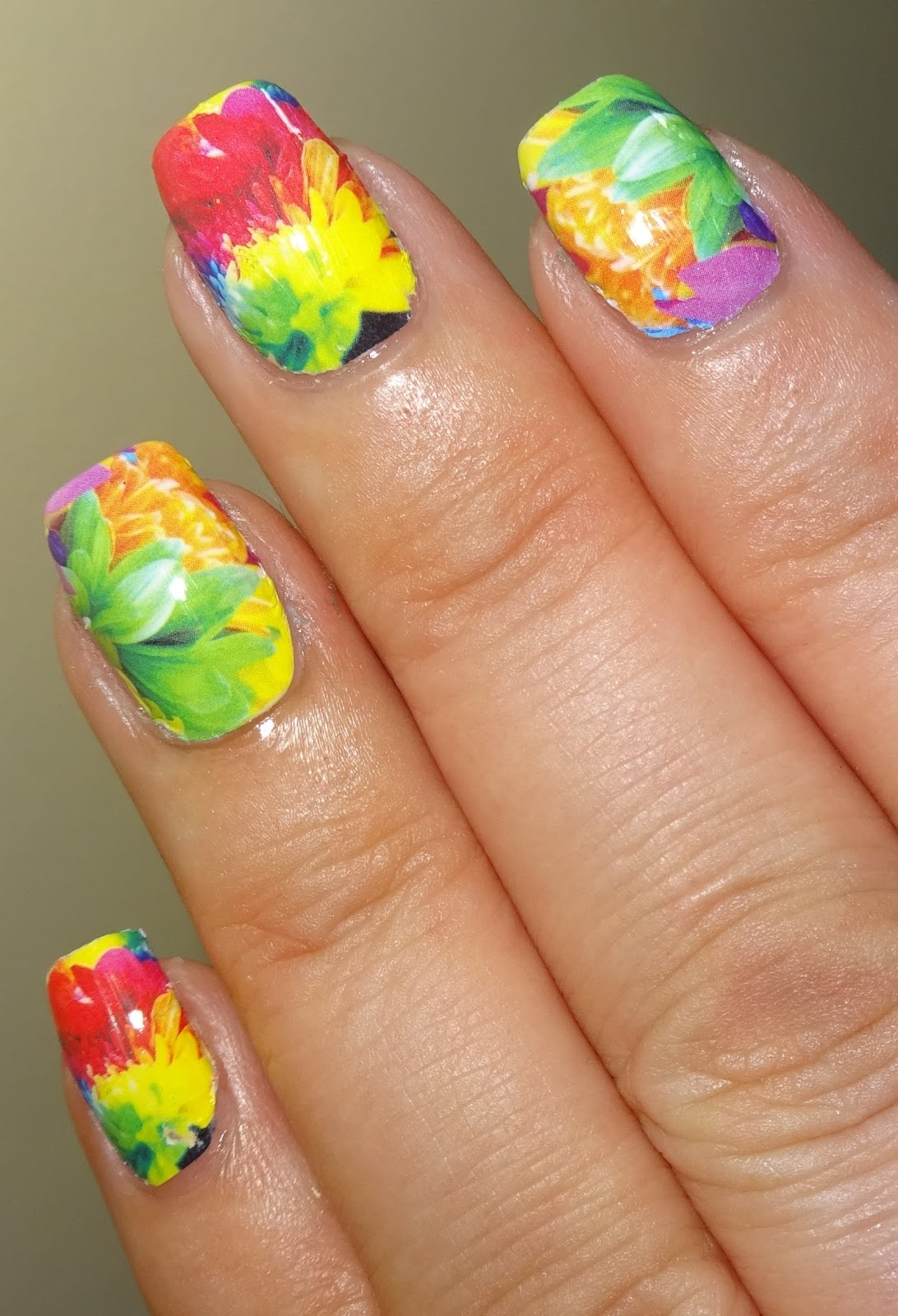 Wendy\'s Delights: Bright Flower Nail Wraps from Charlies Nail Art