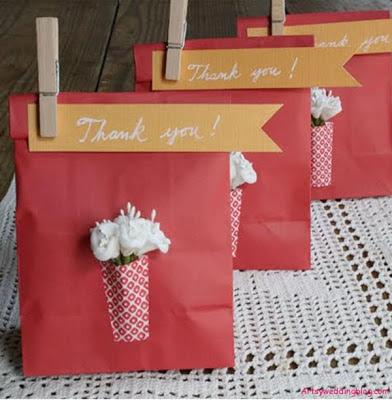 sac en papier personnalise cadeau