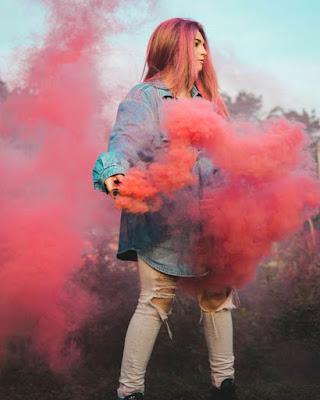 foto tumblr con humo rojo
