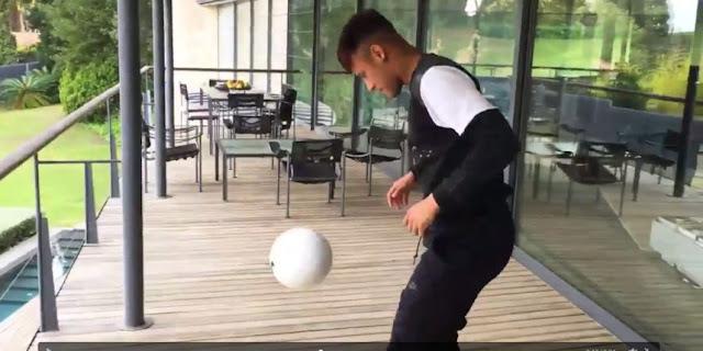 Défis d'adresse entre Neymar et Ronaldo ( VIDÉO )