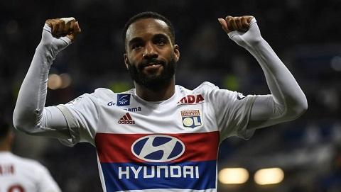 Alexandre Lacazette quyết định ở lại Lyon