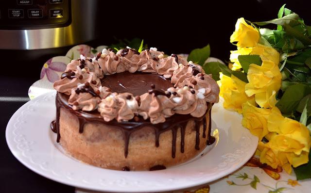 Cheesecake cu ciocolată la Crock Pot Multicooker Express cu gătire sub presiune