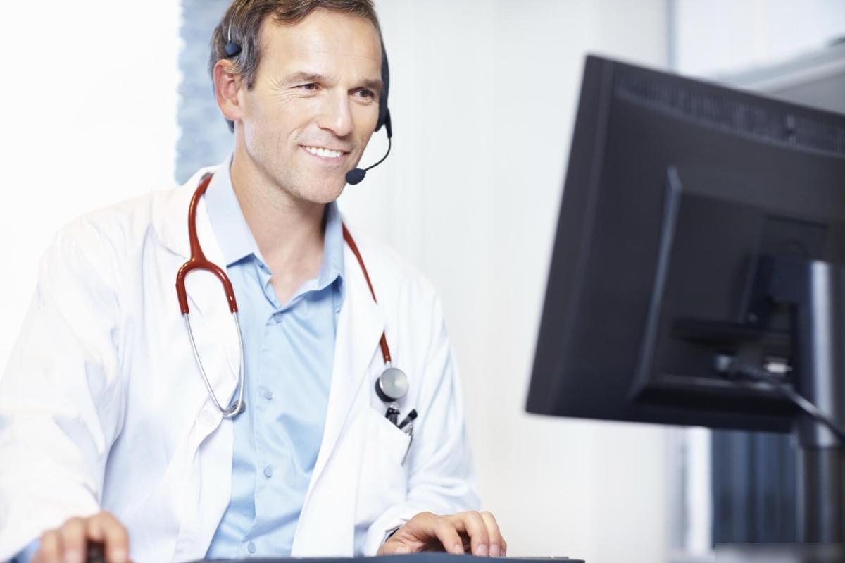 8 فوائد التشاور الطبيب على الانترنت