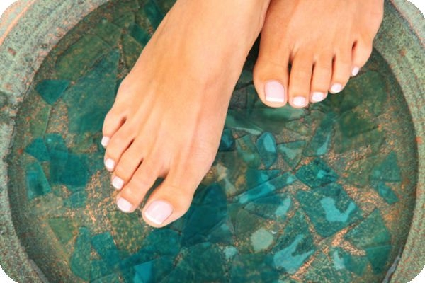 2 Simple Home Remedies for Eliminating Foot Odor