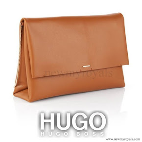 Quee Letizia style Hugo Boss clutch bag