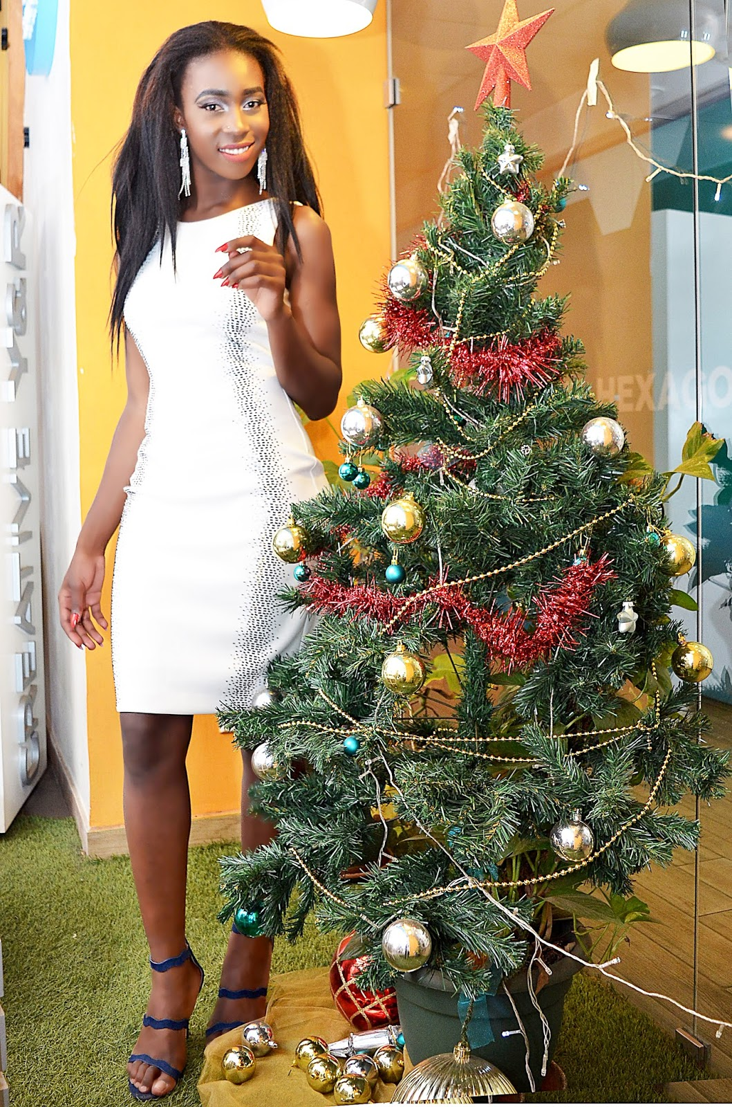 Calvin Klein, white dress, kenyan fashion blogger,  christmas outfit, what to wear for christmas, little white dress, style with Ezil, fashion blogger