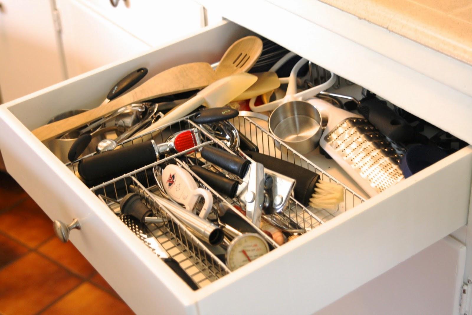 simply organized: DIY: Custom Drawer Dividers