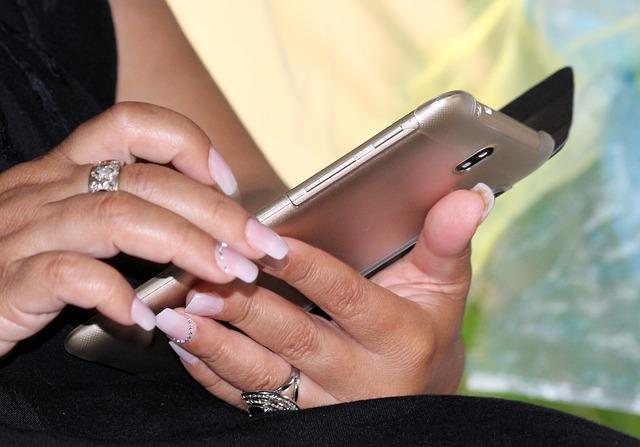 Cara Mencegah Ponsel Panas
