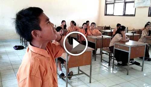 Subhaanallah, Video Adzan Anak SD Ini Bikin Merinding
