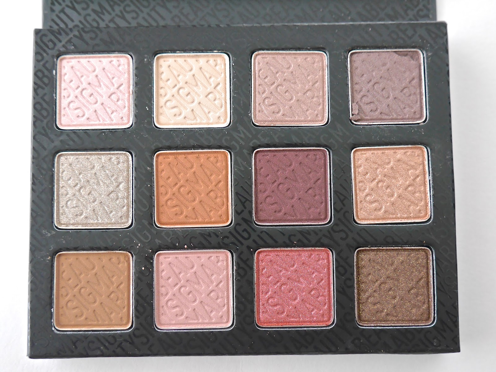 eyeshadow, eyeshadow palette, neutrals, warm shades