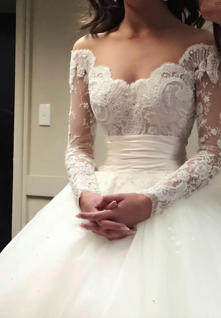 White laces wedding dress