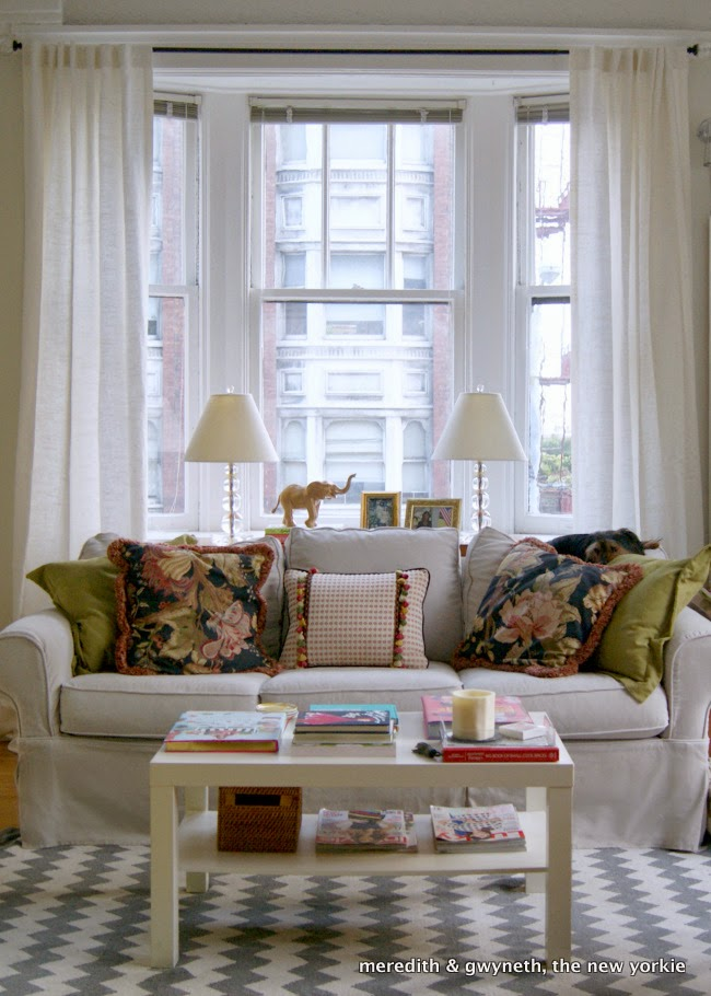 One Sofa Small Living Room Decor: Small Apartments, Big Ideas · Cozy Little House