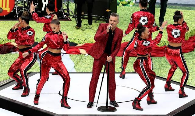 Robbie Williams comandou o show de abertura da Copa do Mundo - Créditos: EFE/EPA/ABEDIN TERKENAREH