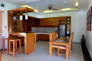 Kitchen set, minibar and dinning table