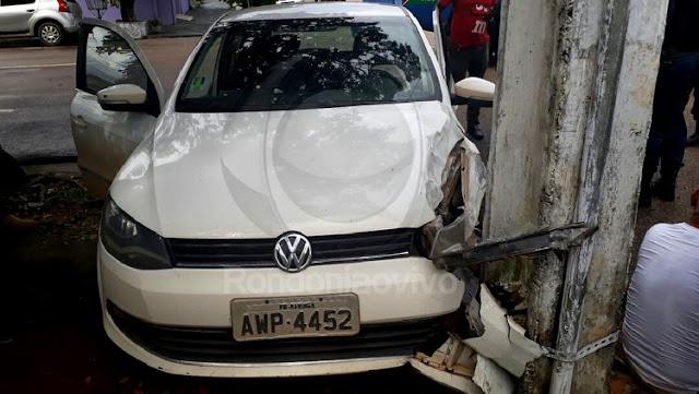 Idoso socorrendo a filha se envolve em grave colisão entre carros