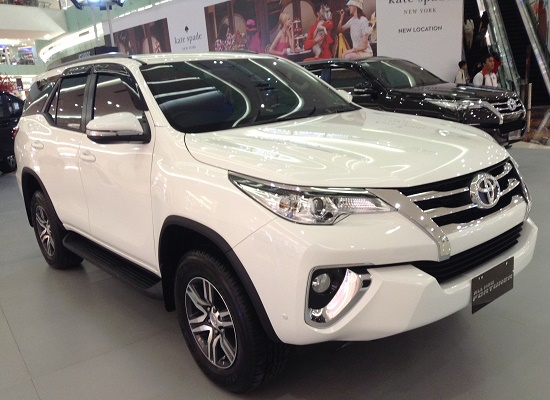 all new fortuner G diesel white