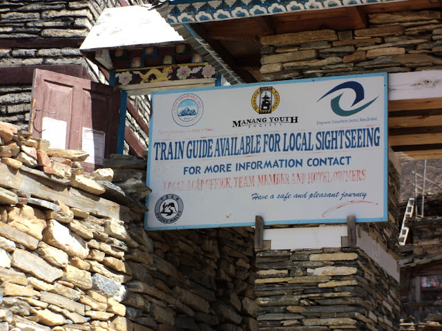 Local guide for sightseeing in Manang