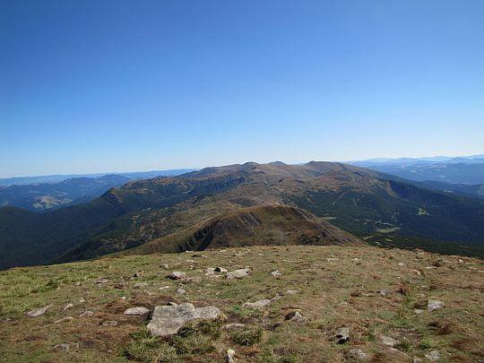Grzbiet Czarnohory - widok w stronę Popa Iwana.